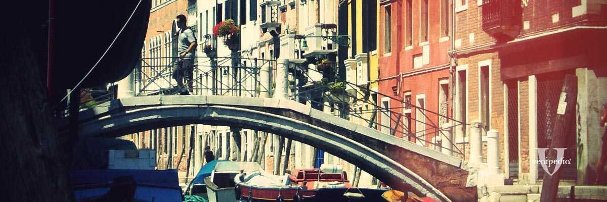 Il ponte dei pugni.