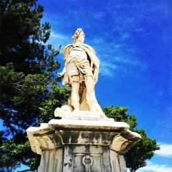 La statua di Antonio Corradini raffigurante il condottiere Schulenburg come fosse un comandante romano.