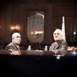 Il presidente dell'associazione Settemari, Alfredo Borsato, e il presidente della Fondazione Carive, Giovanni Sammartini.