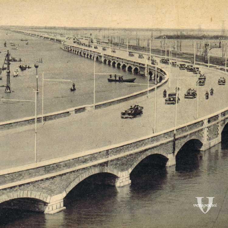 Il ponte della libertà che collega Venezia alla terraferma.