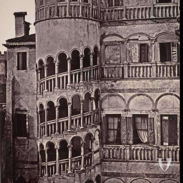 Il famoso bovolo (scala a chiocciola) di Palazzo Contarini (Brooklyn Museum).