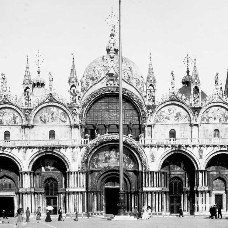 Facciata della basilica di San Marco, un tempo cappella personale del doge (Brooklyn Museum).