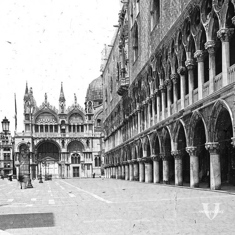 Palazzo Ducale e la Basilica di San Marco visti dalle colonne poste in fondo alla piazzetta di San Marco (Brooklyn Museum).