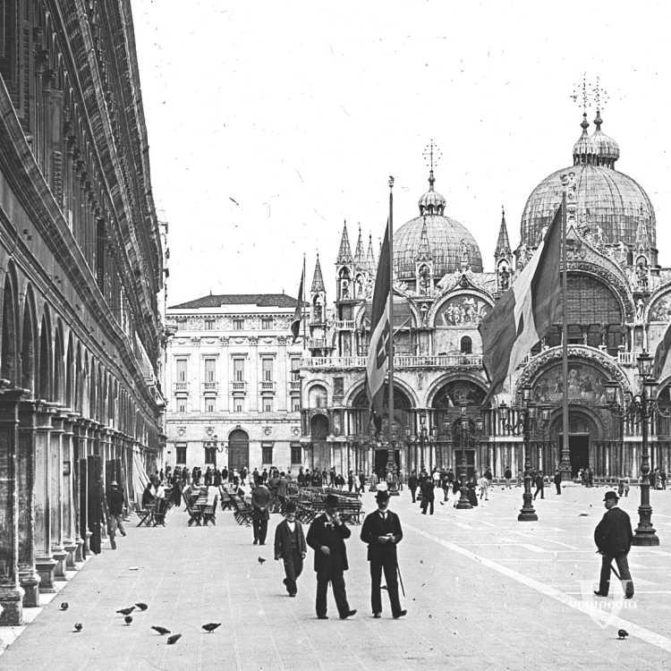 Piazza di San Marco: sicuramente a quei tempi era molto meno affollata a confronto di come la troviamo oggi, piena di gente ad ogni ora (Brooklyn Museum).