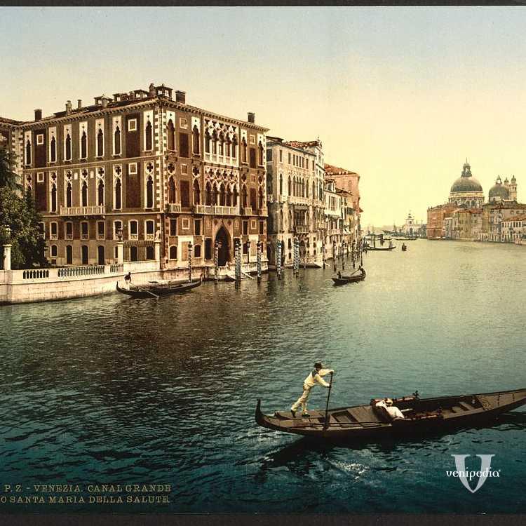 Palazzo Cavalli-Franchetti, visto dal ponte dell'Accademia (Library of Congress - Detroit Publishing Company).