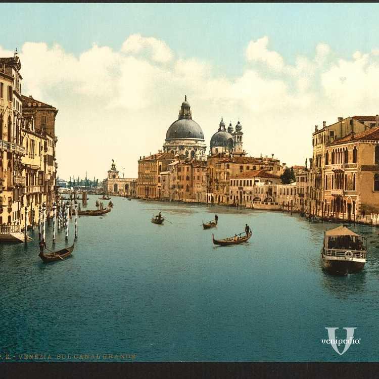 Visuale della parte finale del Canal Grande con in centro la meravigliosa Basilica di Santa Maria della Salute (Library of Congress - Detroit Publishing Company).