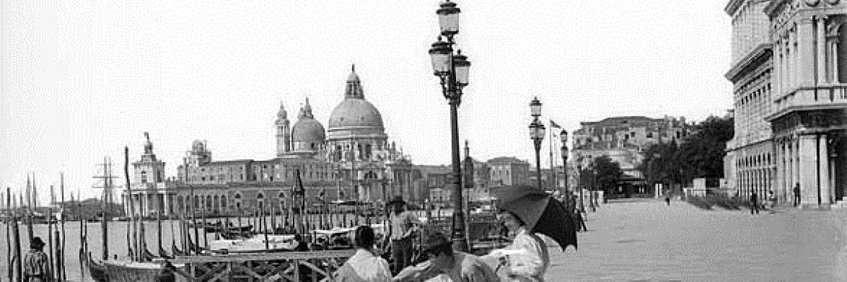 Piazza San Marco, la parte più vicina al bacino.