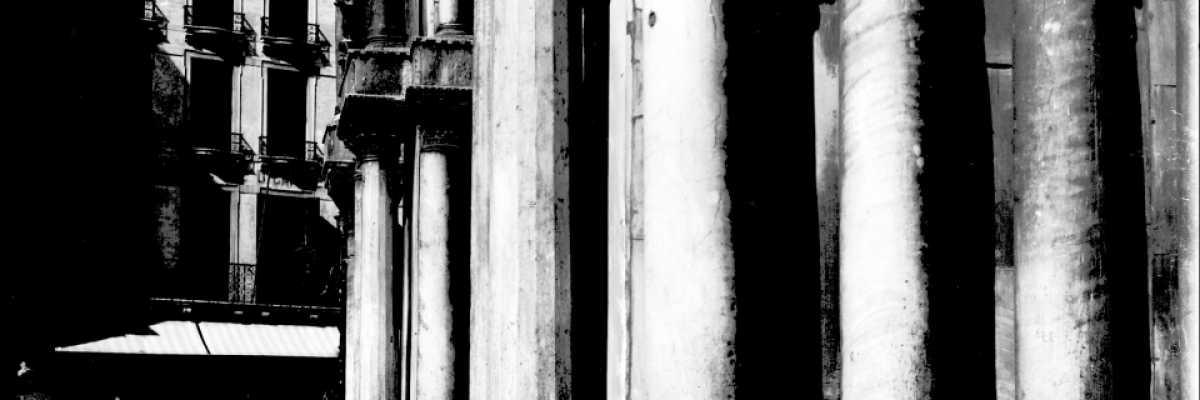 Primo piano delle colonne corinzie della Basilica di San Marco (Brooklyn Museum).