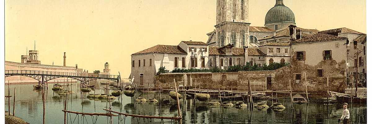 La Basilica di San Pietro di Castello e sulla sinistra si intravedono le mura dell'Arsenale (Library of Congress - Detroit Publishing Company),