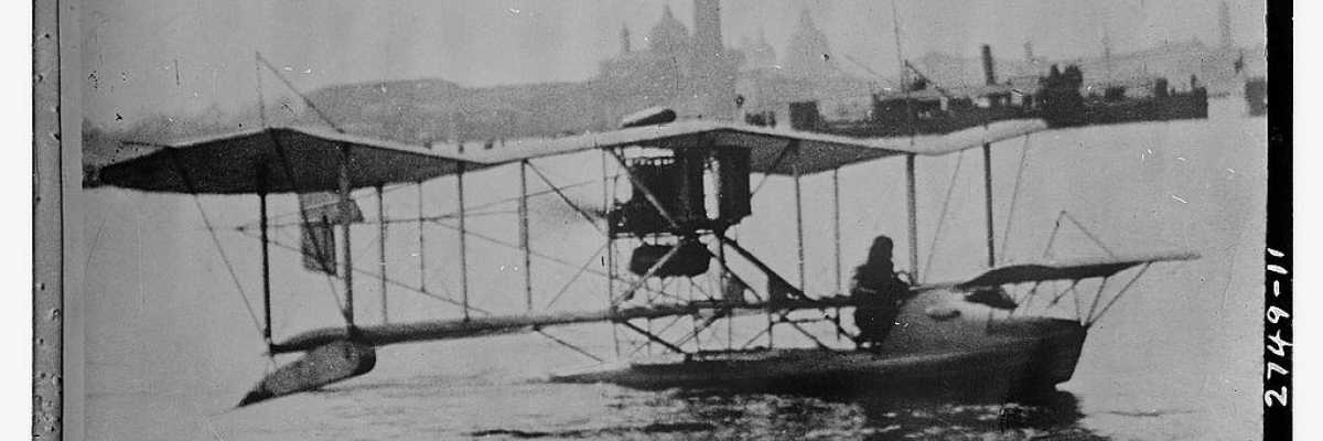 One of the first seaplanes of the story is about to start from the San Marco Basin (Library of Congress - George Grantham Bain Collection).
