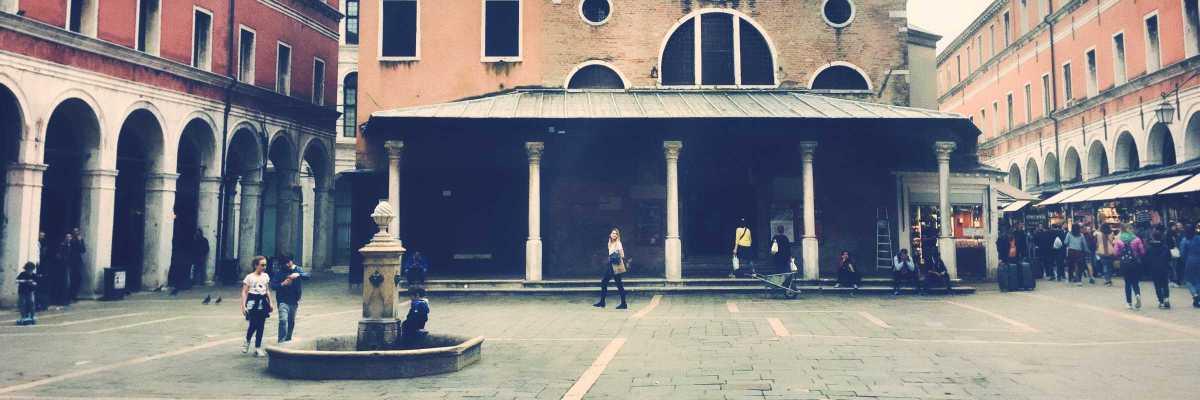 Campo San Giacomo di Rialto — (Venipedia/Bazzmann)