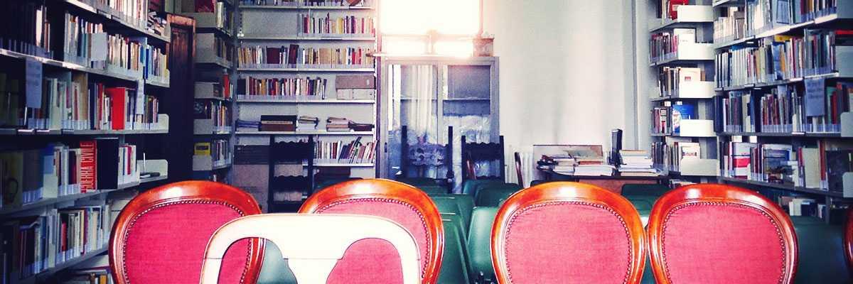 La biblioteca dell'Istituto Veneziano per la Storia della Resistenza.