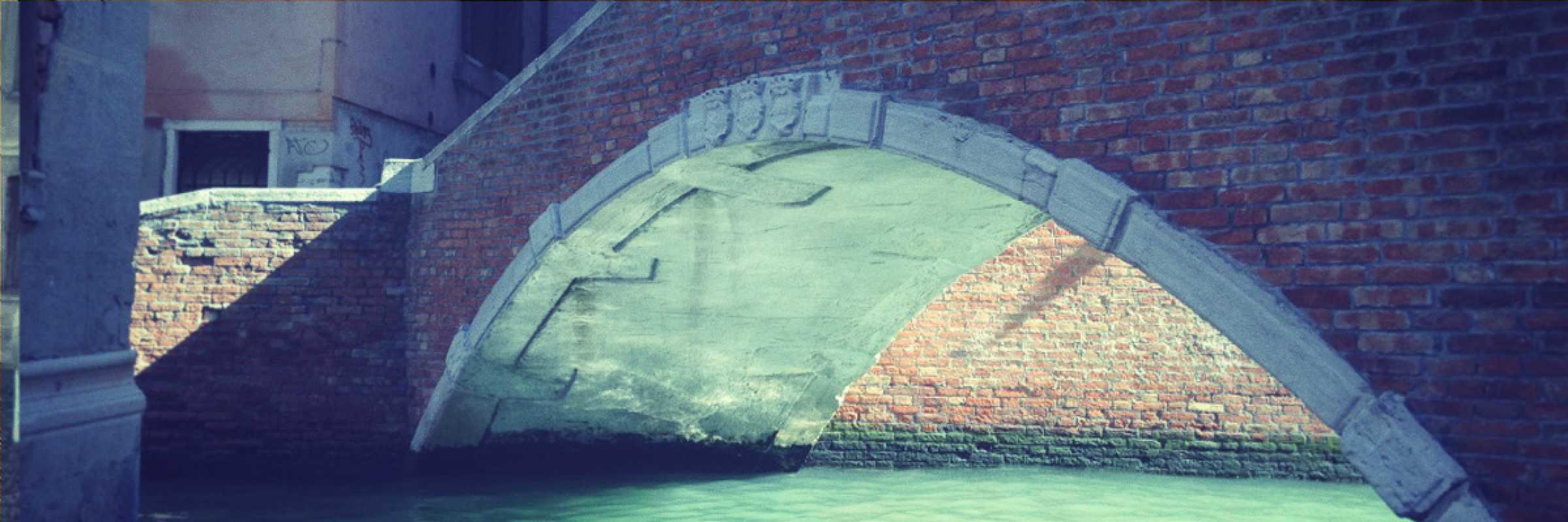 Detail of the crooked bridge in San Marcuola - (Archive Venipedia / Bazzmann)