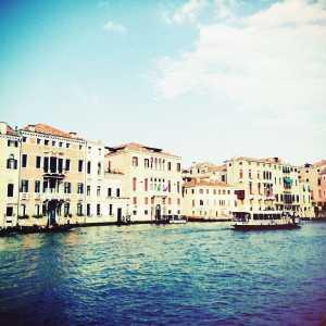 I palazzi che affacciano sul Canal Grande dalla riva opposta a quella di Campo San Stae.