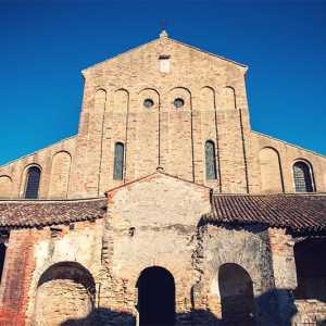 Detail of the facade of the Church of Santa Maria Assunta in Torcello — (Archivio Bazzmann/Venipedia)