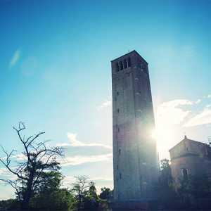 Particolare del retro del Campanile di Santa Maria Assunta a Torcello — (Archivio Bazzmann/Venipedia)