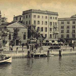 Historical image of the Lido landing.