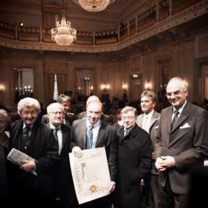 Fabrizio in posa con gli altri Veneziani dell'Anno, premiati negli anni scorsi.
