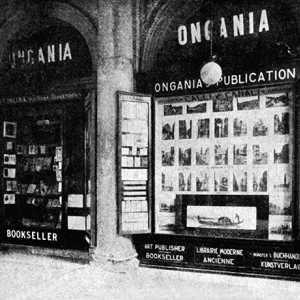 La libreria Ongania in Piazza San Marco.