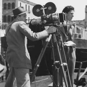 Pasinetti durante le riprese di un cortometraggio nella sua amata città.