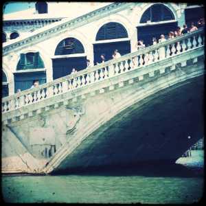Il ponte dalla parte di San Polo — (Archivio Venipedia/Bazzmann)